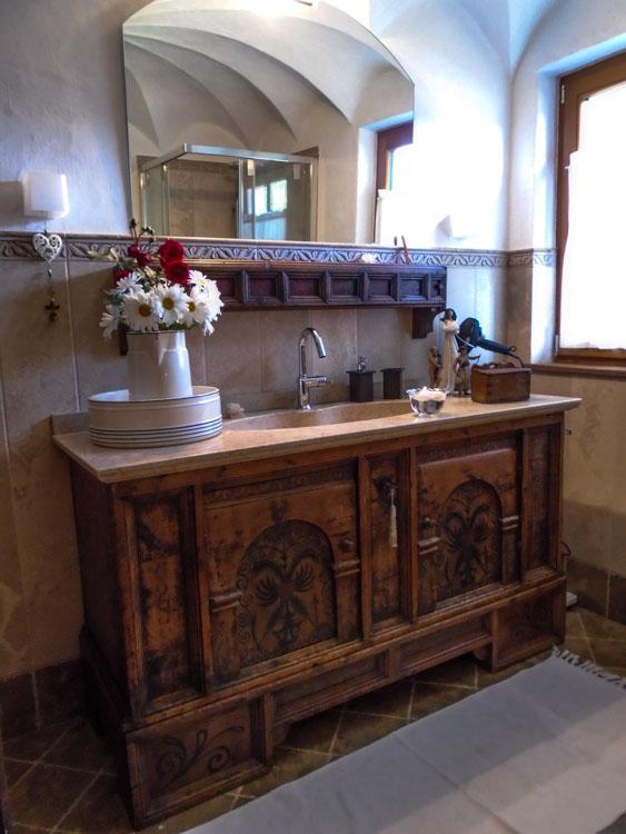 I nostri arredi soluzioni per mobili antichi e moderni for Arredamento antico e moderno