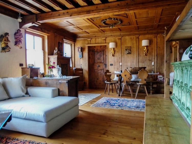 I nostri arredi soluzioni per mobili antichi e moderni for Arredare con mobili antichi e moderni