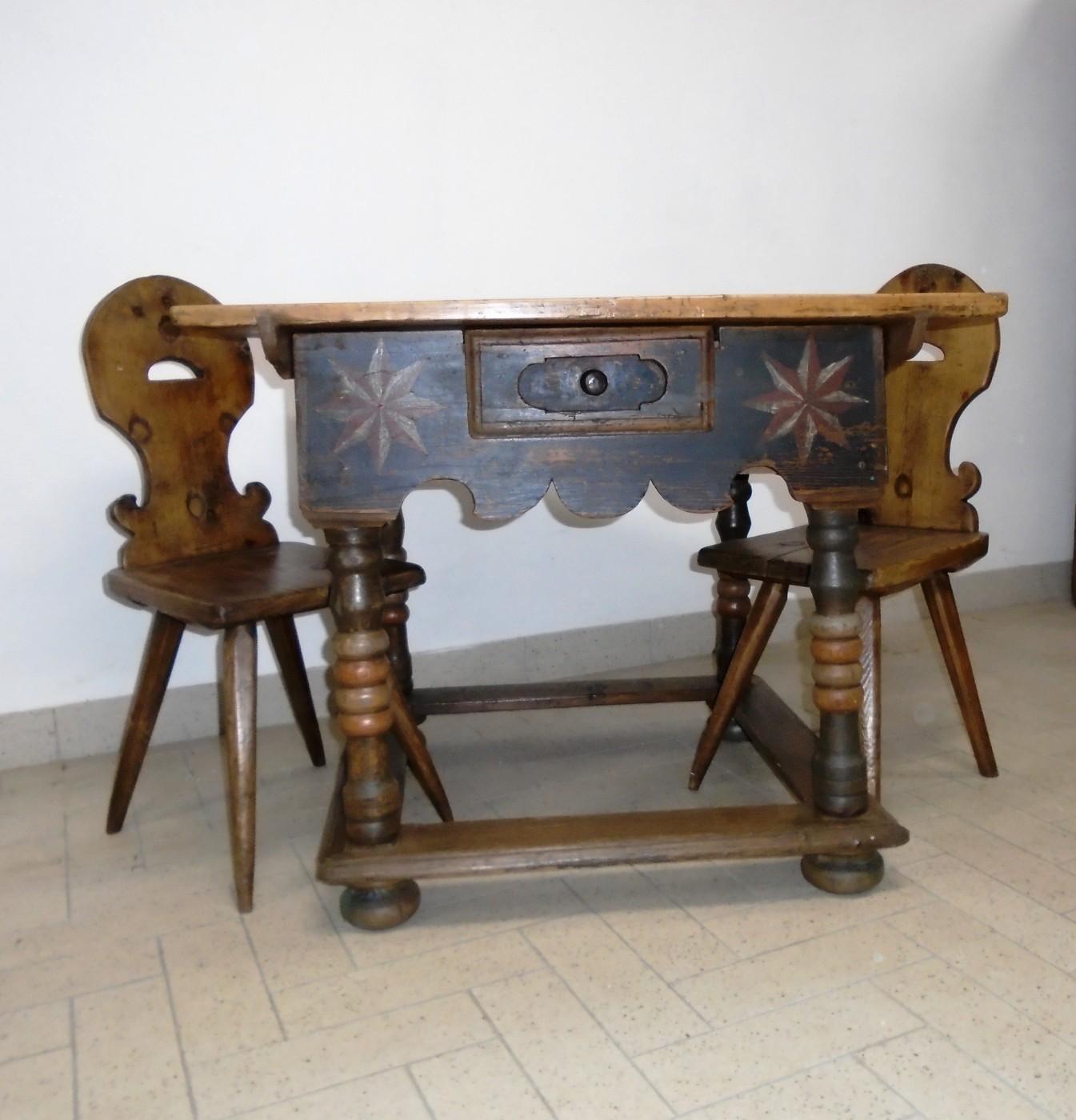 Tavolino dipinto - prov. Trentino | Antichità Evelina ...