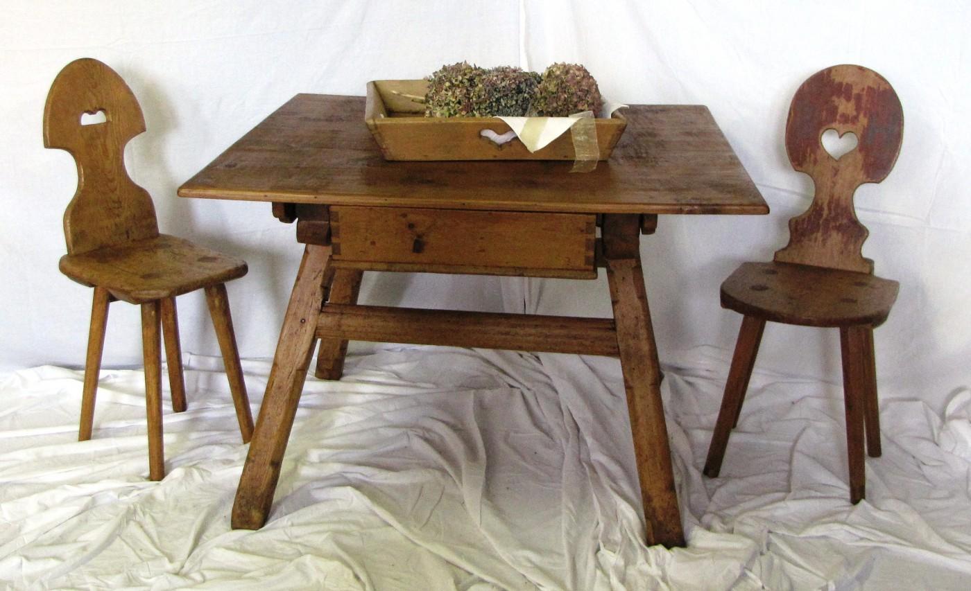 Tavolo da cucina provenienza val pusteria antichit for Vendita sedie da cucina