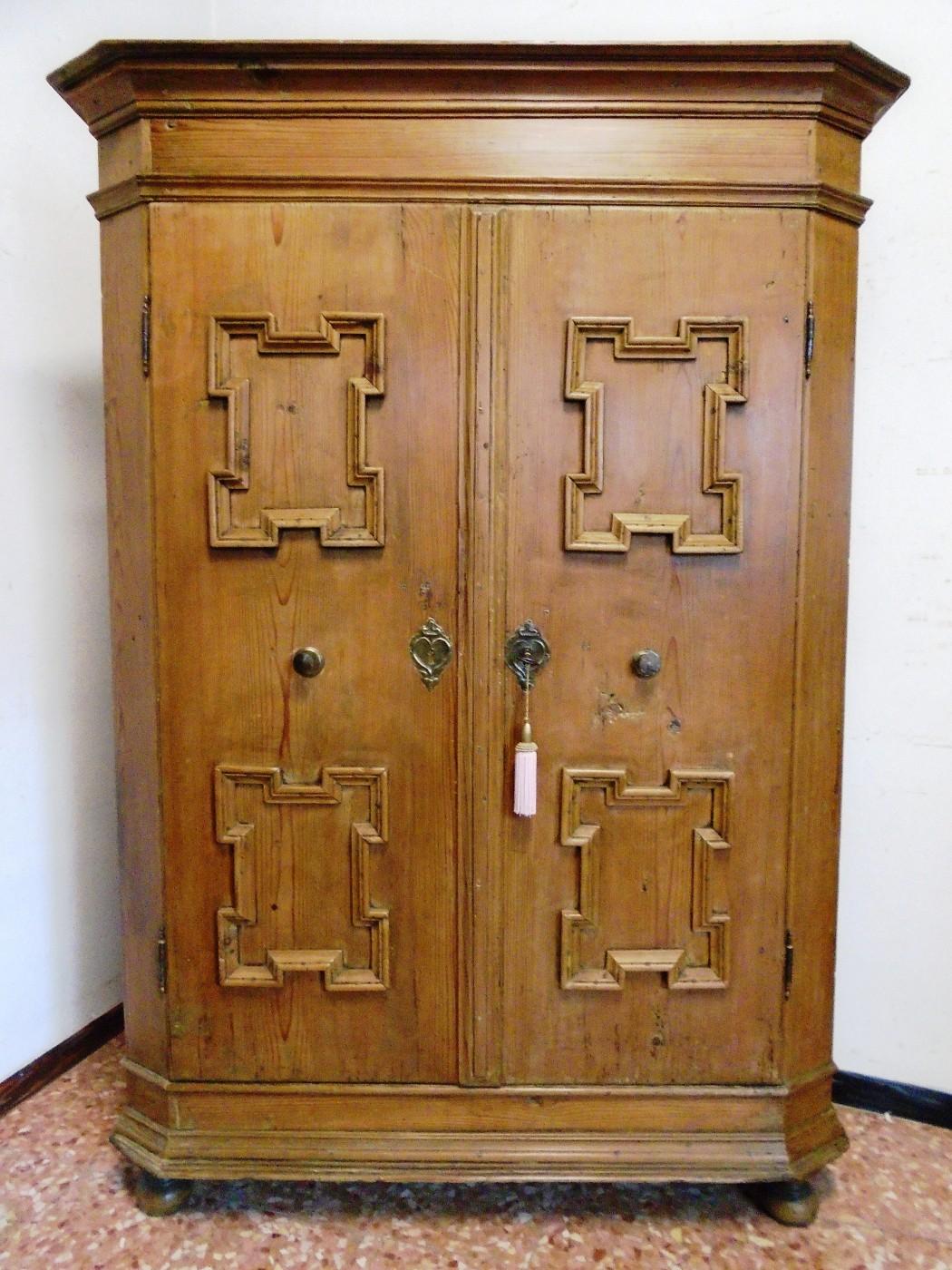 Armadio prov austria antichit evelina vendita for Mobili vecchi in vendita