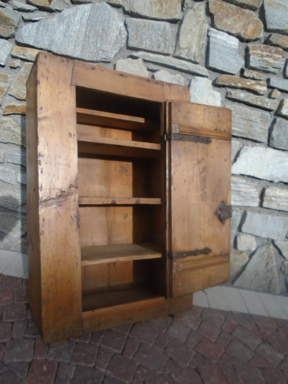 Piccola credenza da cucina prov alto adige antichit evelina vendita mobili antichi tirolesi - La piccola cucina milano ...