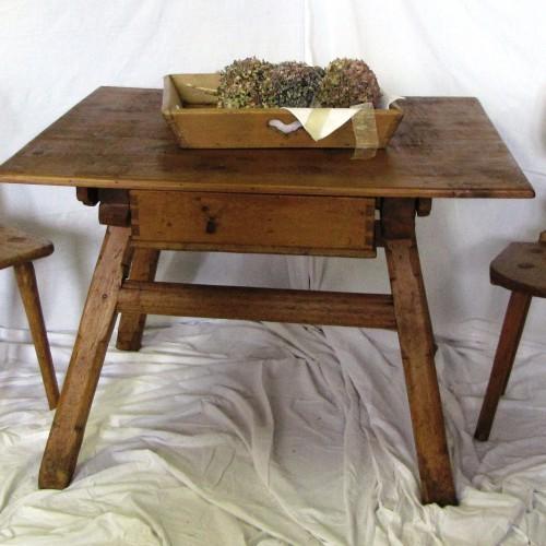 Tavoli e sedie e Panche | Antichità Evelina - Vendita mobili antichi ...