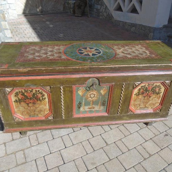 Cassapanche  Antichità Evelina - Vendita mobili antichi tirolesi