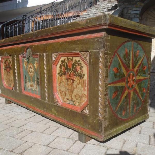 Cassapanca dipinta cod. 1238