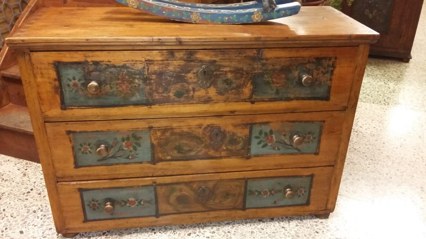 Armadi Tirolesi Dipinti comò dipinto cod. 268 | antichità evelina - vendita mobili