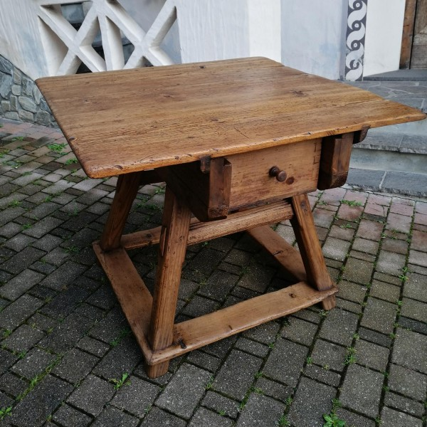 Tavolo quadrato cod. 1268